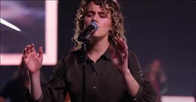 'Turn Your Eyes Upon Jesus' Taya From Hillsong UNITED