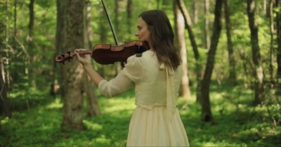Touching Violin Rendition Of 'Praise To The Lord, The Almighty'