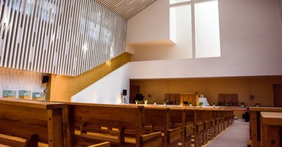 Inside of a church, California is warned about church ban