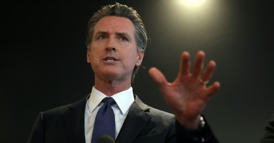 Gavin Newsom, Newsom approves two laws benefiting the transgender community