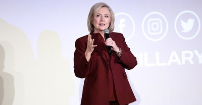 Hillary Clinton, Clinton says Trump may not go quietly is he does not get re-elected