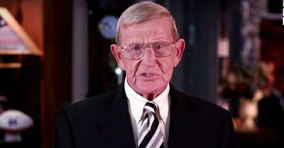 Former coach Lou Holtz endorses Trump at RNC