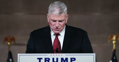 Franklin Graham, Left-leaning Christian group calls for Graham's removal from Samaritan's Purse