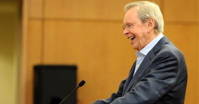 Charles Stanley, Stanley announces that he is stepping down as his church's head pastor