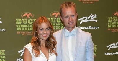 Candace Cameron Bure, Candace Cameron Bure receives backlash for hands photo with her husband
