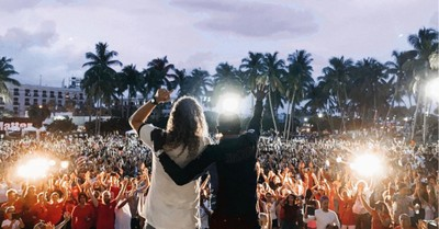Sean Feucht, Thousands gather in Florida to worship together