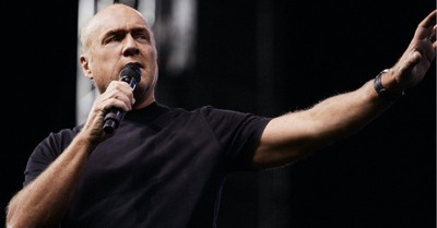 Greg Laurie, Laurie tests positive for COVID-19