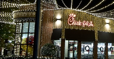 Georgia Chick-fil-A Hangs Half a Million Lights to Celebrate Christmas
