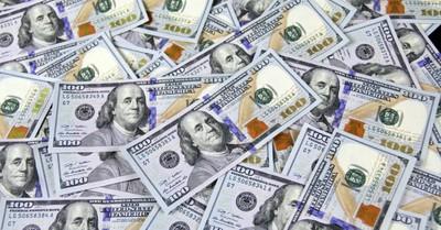 Cash money, Man returns over $43000 he found hidden in a couch