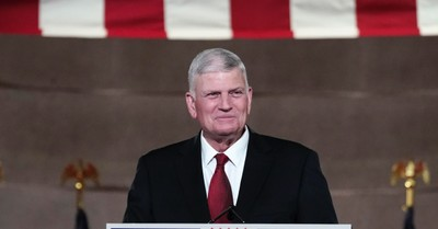 Franklin Graham, Graham urges LGBT police officers are welcomed at the Police Appreciation Dinner sponsored by his organizations