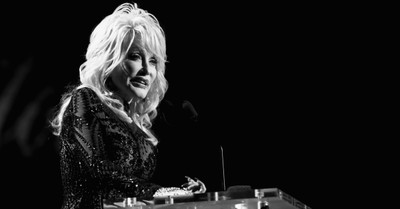 Dolly Parton, Parton shares that her brother Randy has died