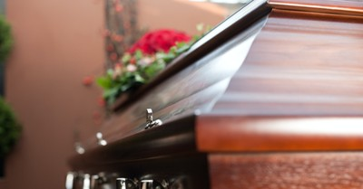 A coffin, Hershel Shanks passes away