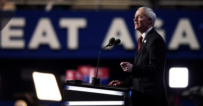 Asa Hutchinson, Hutchinson signs bill banning most abortions in Arkansas