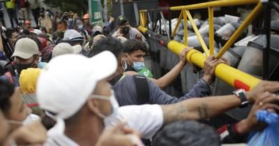 Migrants at the Border, Trump calls Biden's handling of the border crisis a national disaster