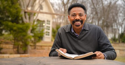 Tony Evans, Evans talks to RNS about male leadership, grieving his wife and correcting Kirk Franklin