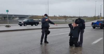 Artur Pawlowski, Pawlowski is arrested by Canadian police
