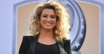 'My Identity Is in Christ,' Not Fame, Singer Tori Kelly Says of Staying Grounded