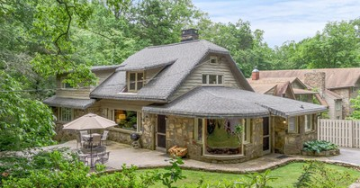 Bill Graham cottage, Billy Graham's 1940s cottage in North Carolina is listed for sale