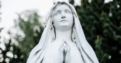 A statue of Mary, statue outside of New York church is destroyed