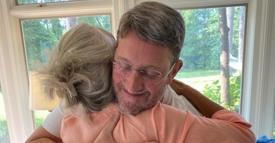 Anne Graham Lotz, Jonathan Lotz is released from the hospital