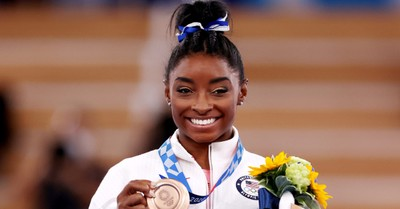 Simone Biles Returns to Competition, Takes Home Bronze in Olympic Balance Beam Finals