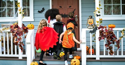 Should Christians Share the Gospel During Halloween?