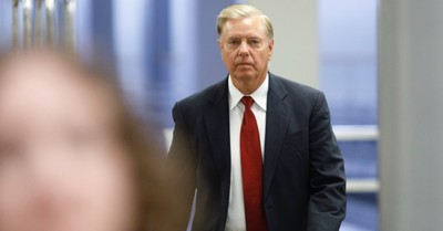 Lindsey Graham Asks Chuck Schumer to Call for Vote to Dismiss Impeachment Trial of Trump