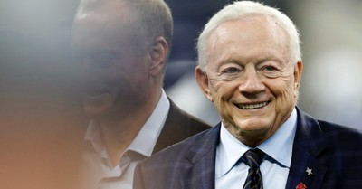 Jerry Jones Brought His Superyacht to the Super Bowl: Cultural Divisions and the Persuasive Power of Courage