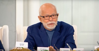 Lawsuit Claiming Jim Bakker Promoted Drug as Coronavirus Cure Is a Violation of His Religious Freedom, Former Governor Says