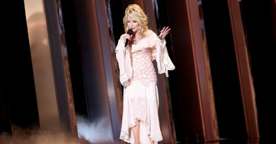 Dolly Parton's Rendition of 'Amazing Grace' May Become Tennessee's Official Hymn