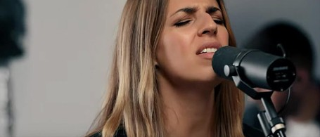 O Holy Night' - Live Performance From Hillsong Worship