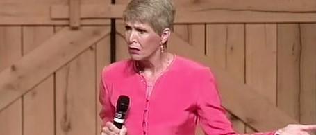 NEW! Jeanne Robertson on Her Husband Left Brain vs Intruder