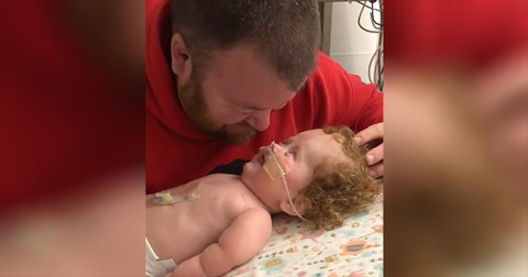 Toddler+With+Rare+Disease+Shares+Precious+Laughs+With+Daddy+