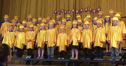 Kindergarteners+Sing+Hilarious+%27Don%27t+Stop+Believing%27+Parody