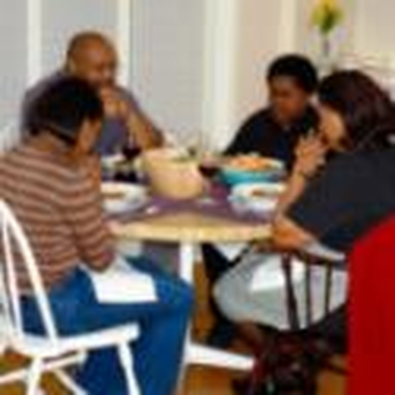 11 Tips for Studying the Bible at the Dinner Table
