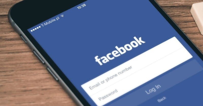 """5 Warning Signs for the Church in a """"Facebook Culture"""""""