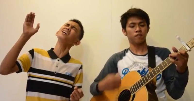 Aldrich and James Sing 'Jesus Take The Wheel'