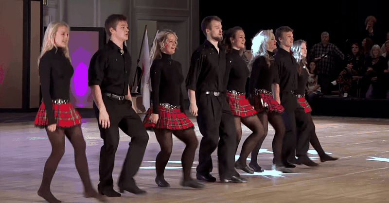 12 Siblings Stun Audience with Irish Dance and Song
