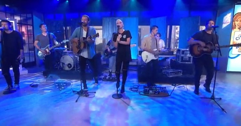 """Hillsong United Performs """"Oceans"""" on The Today Show"""
