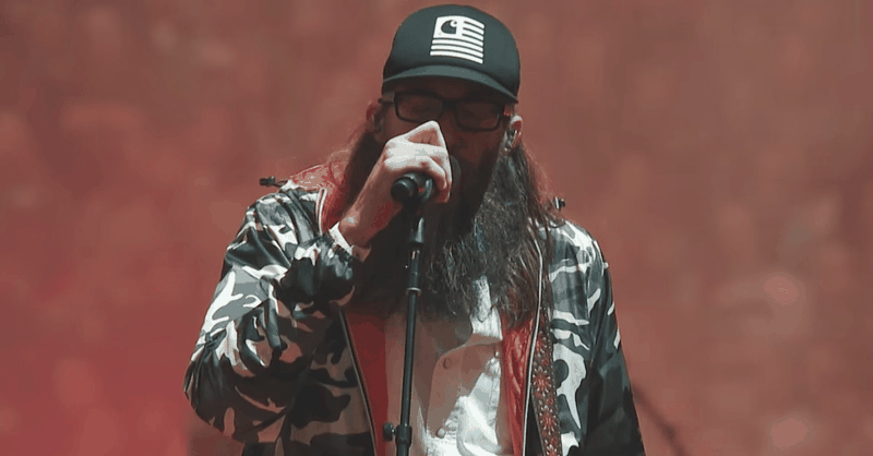 'Forgiven' - Crowder Performs Inspirational Song Live