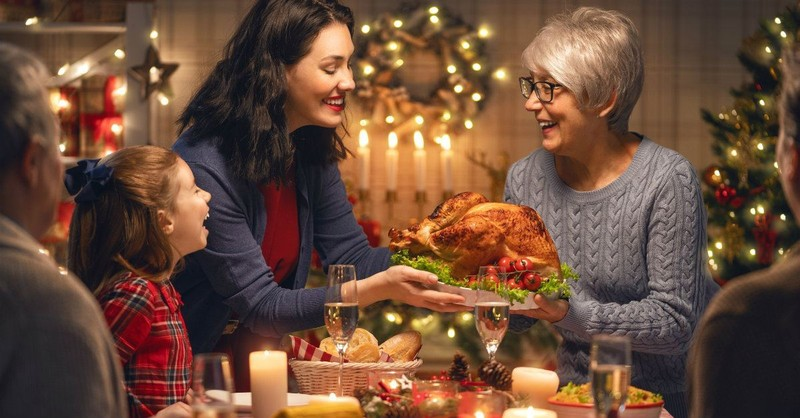 Christmas Dinner Prayers - Beautiful Family Blessing for the Meal & Fellowship