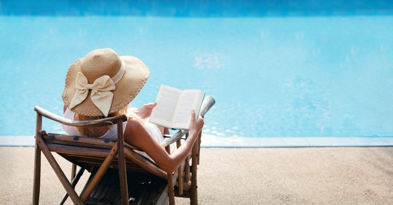You Need These 10 Books in Your Beach Bag Right Now