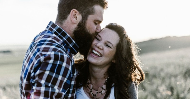 10 Little Notes of Encouragement to Send Your Wife