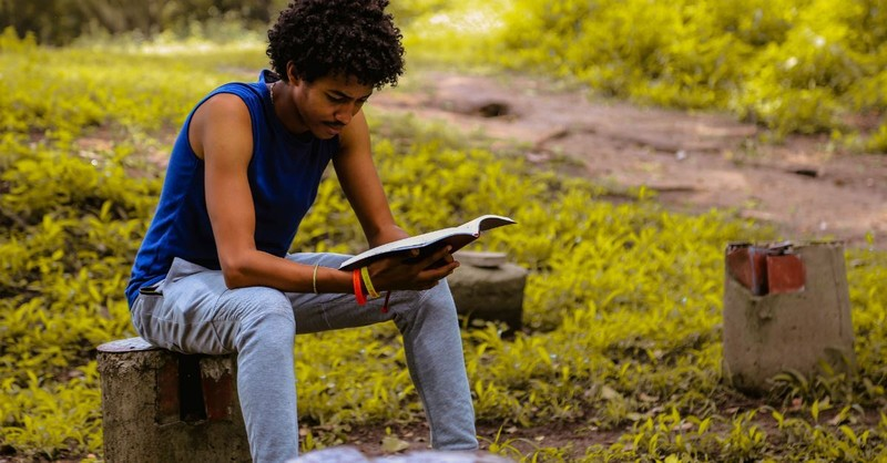 4 Compelling Reasons to Get a Bible Reading Partner