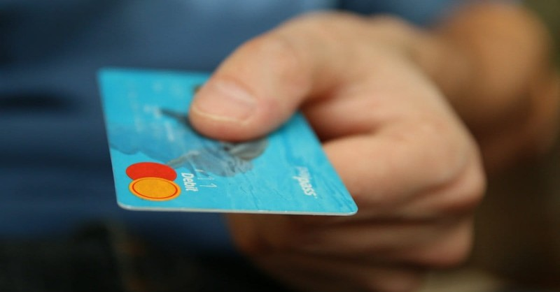 How to Safely Pay with Plastic