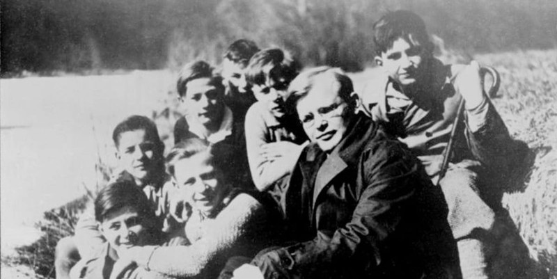 20 Influential Quotes by Dietrich Bonhoeffer