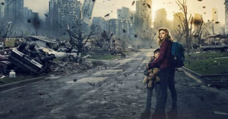 <i>The 5th Wave</i> Crashes and Burns into Dystopian Oblivion