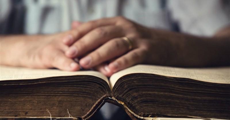 8 Characteristics of Evangelistic Preaching