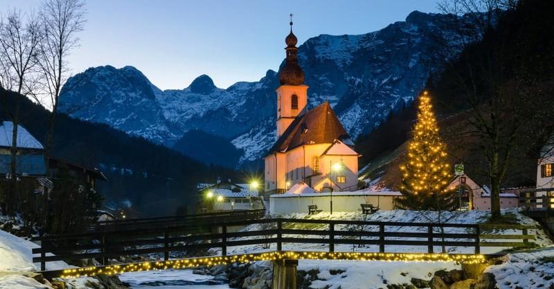 A Plea to Pastors: Don't Cancel Church on Christmas