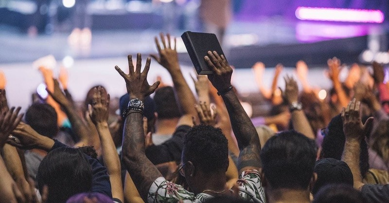 10 Ways Pastors Can Avoid the Trap of Popularity